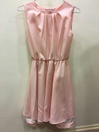 🚚 粉紅色縮腰洋裝