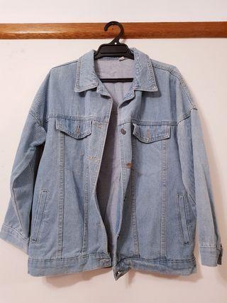 Vintage-Inspired Blue Denim Jacket
