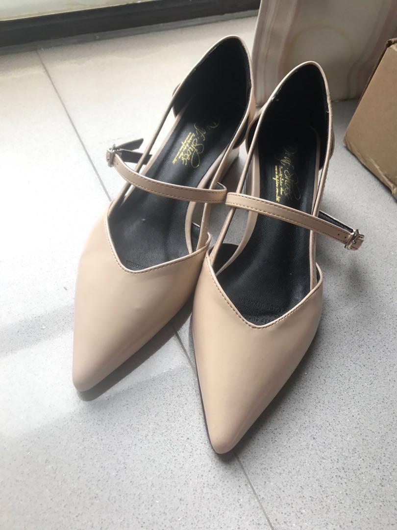 韓國製裸色尖頭粗踭鞋+鞋袋和鞋盒