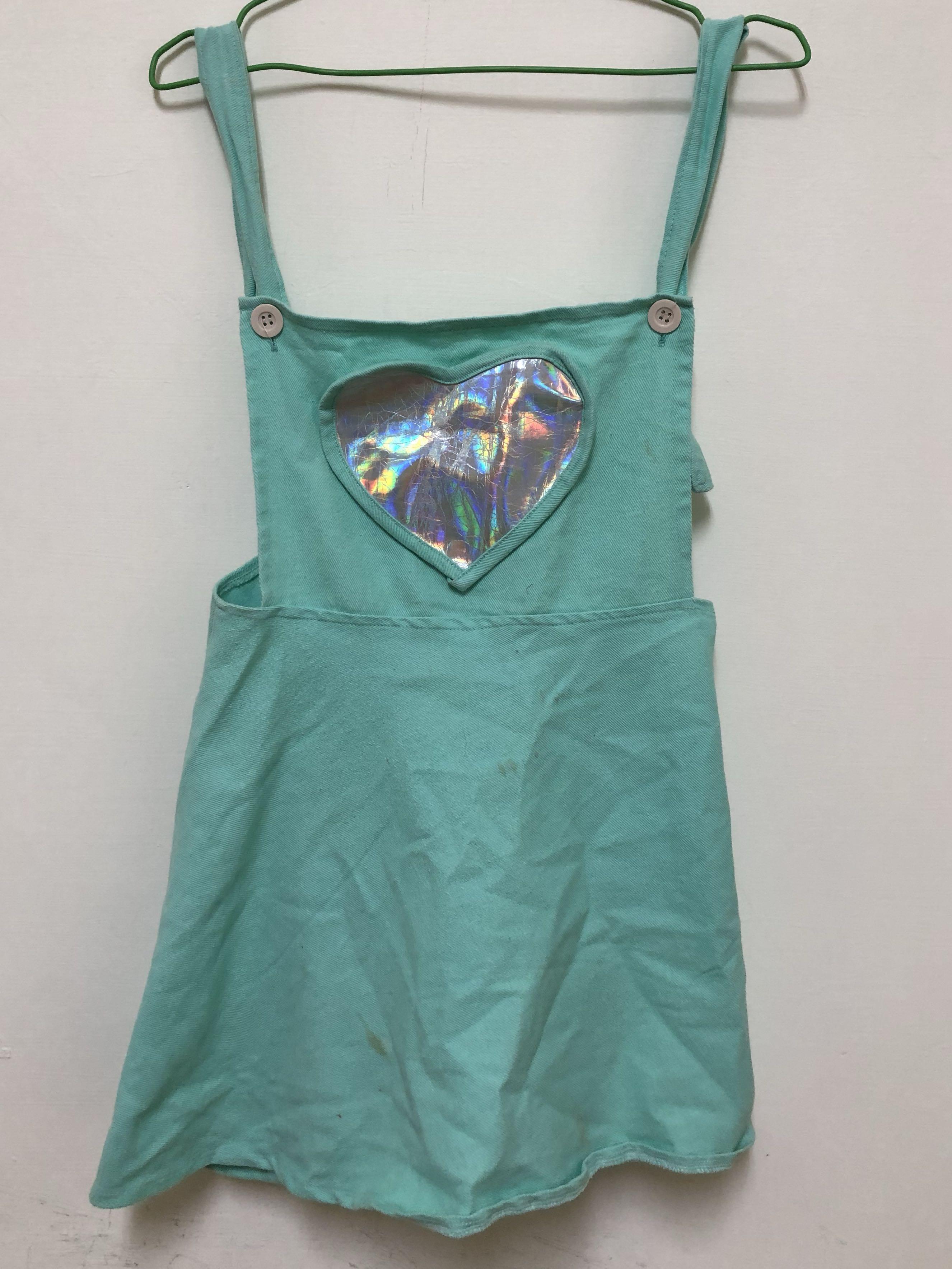 少女 銀光愛心 湖水綠吊帶裙