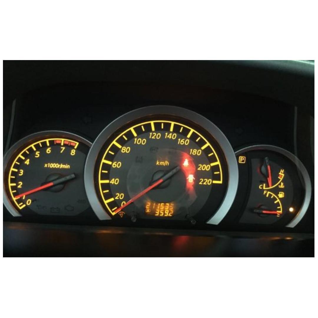 【Anna車庫】NSSAN X-TRAIL 2004閃耀銀 2.5 4WD豪華休旅車,霸氣凌人的視覺享受,如野獸般的性能