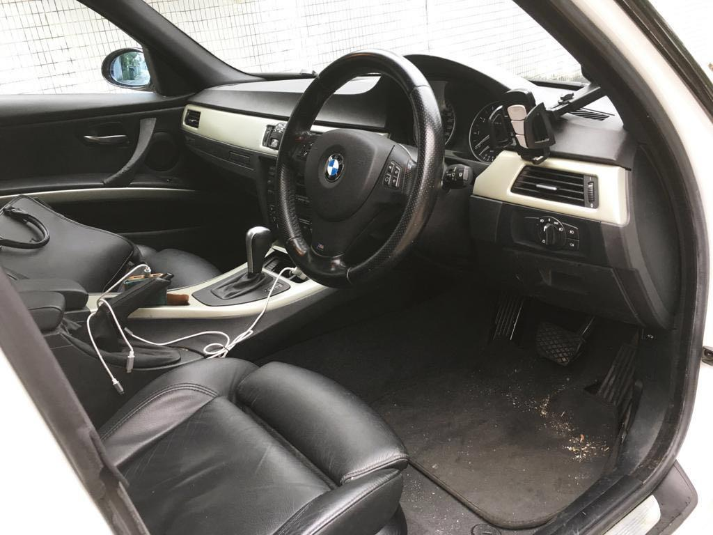 BMW 325i Touring White (2006)