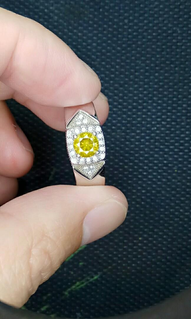 Cincin berlian kuning berlian warna kuning fancy yellow diamond