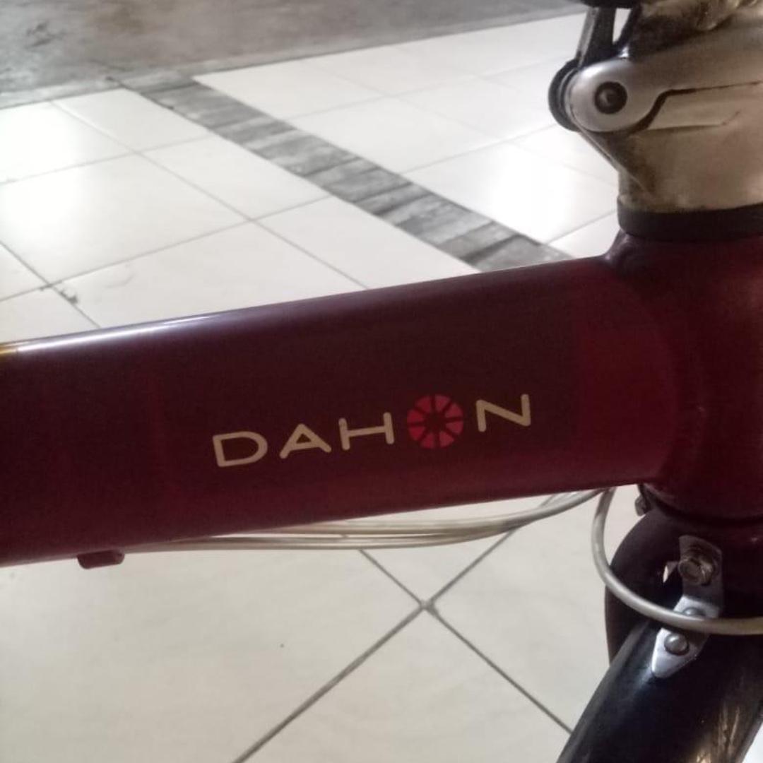 dahon vitesse d7 warna merah Sepeda Lipat Seli Import semua part asli