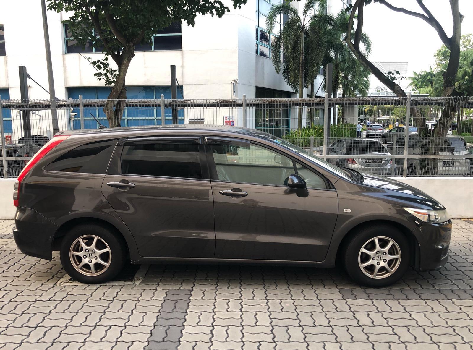 HONDA STREAM 1.8a  mpv 6-7 seater Car rent cheapest for PHV grab gojek personal.