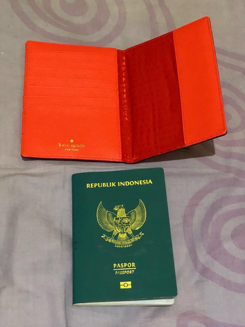 Kate Spade Passport Case Authentic