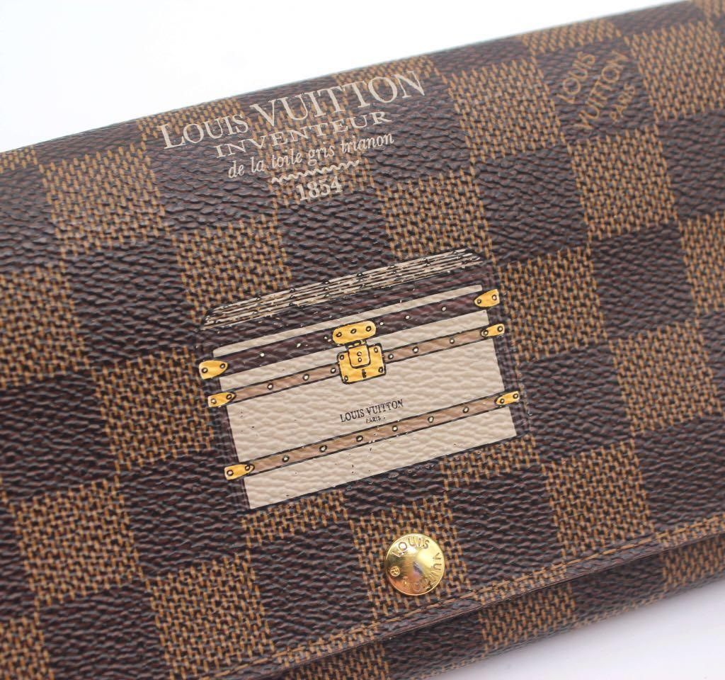 LOUIS VUITTON Damier Ebene Trunk Illustre Sarah Wallet