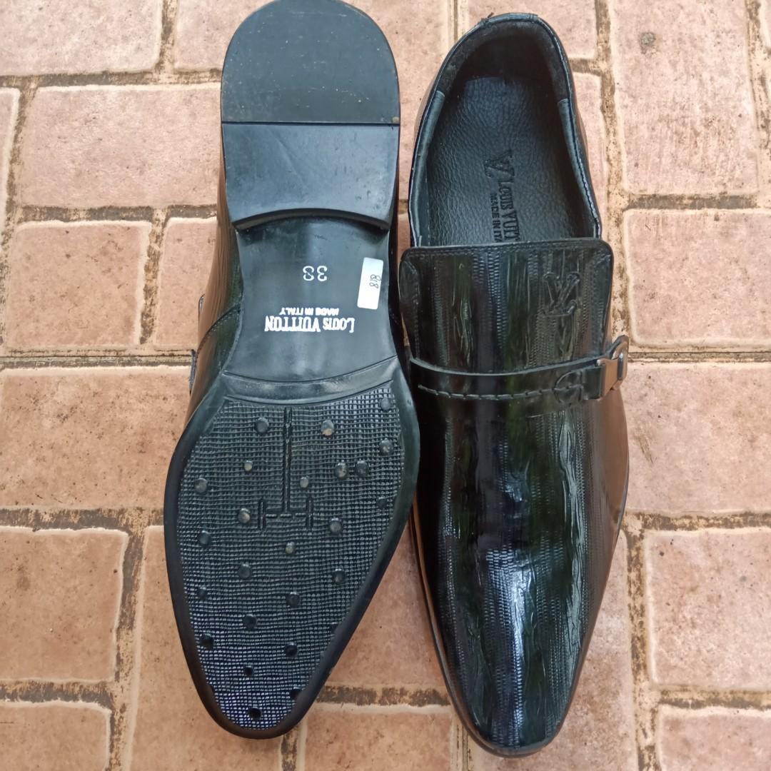 LV sepatu pria original