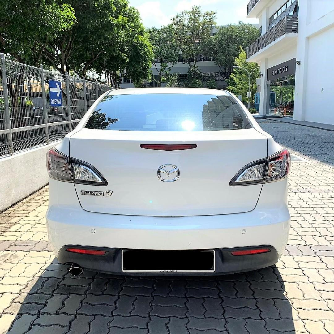 Mazda 3 In good condition/PHV go jek & grab or Personal use