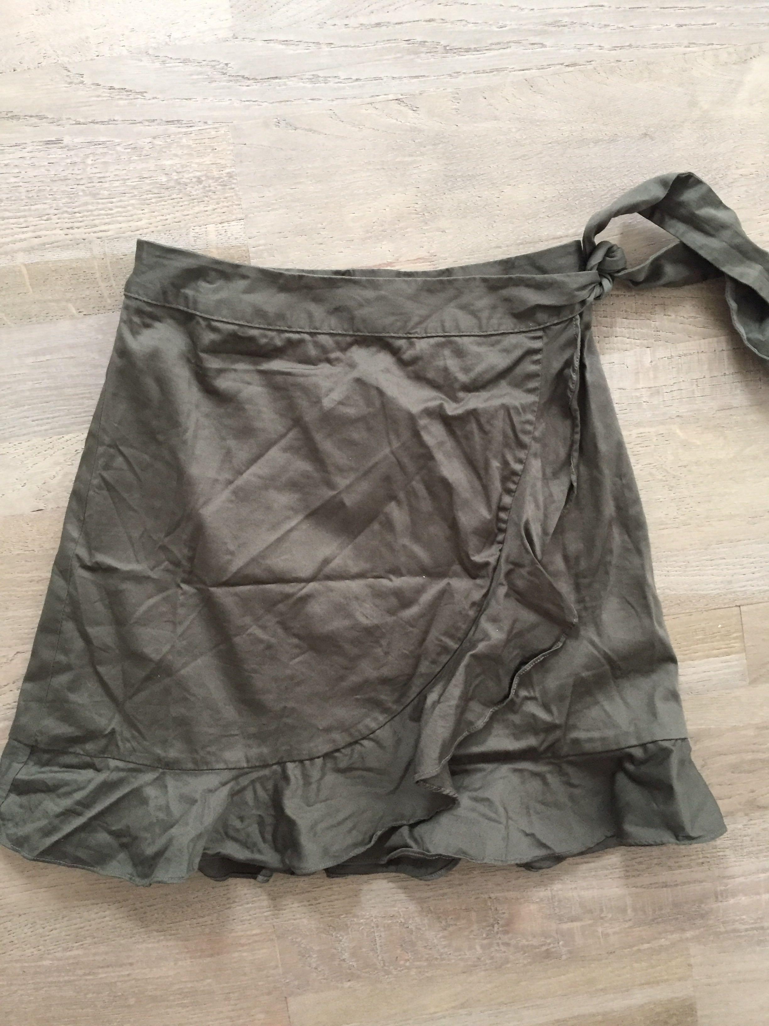 Portmans size 6 khaki wrap skirt excellent condition