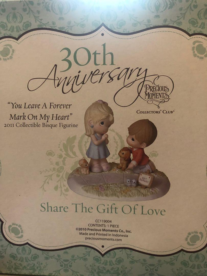 """Precious Moments 30th Anniversary """"Share The Gift Of Love"""""""