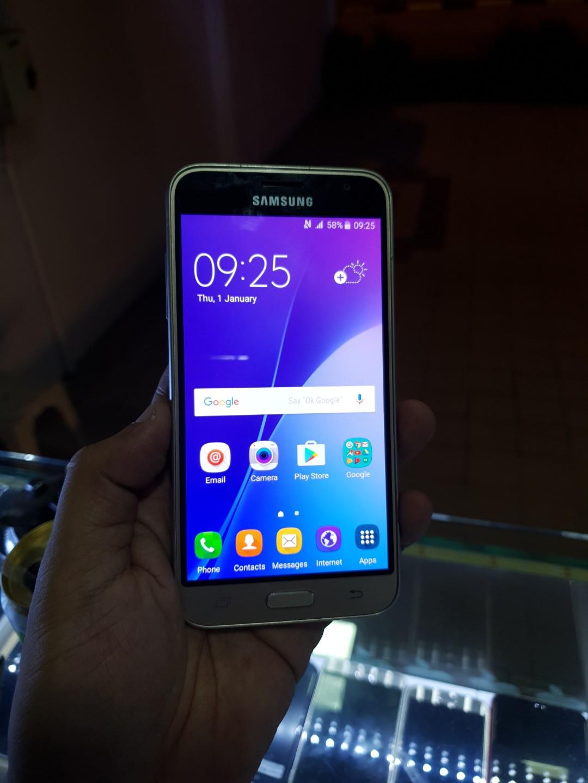Samsung Galaxy J3 (2016) gold (MR7490130)