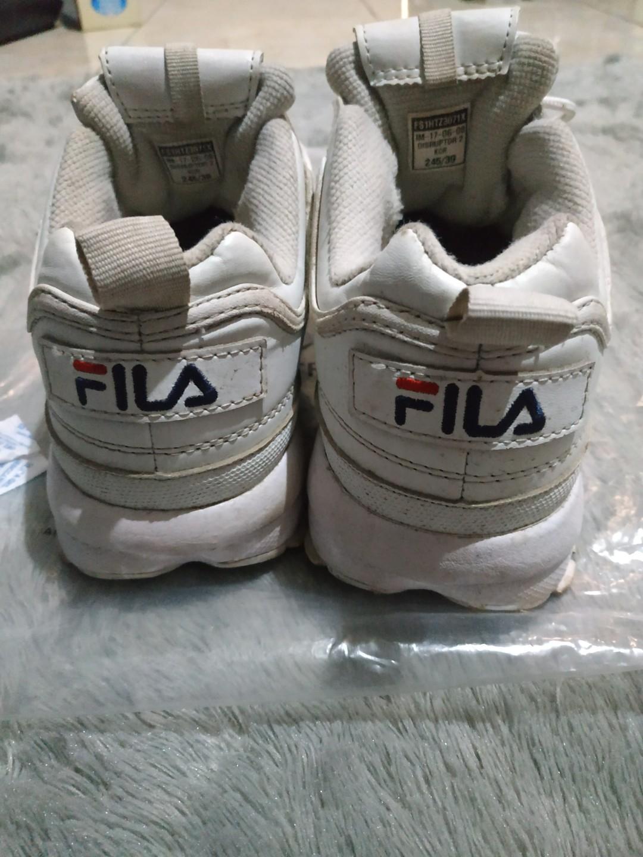 Sepatu Skets