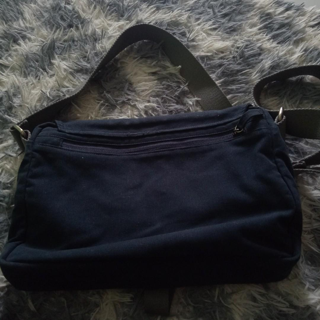 TAS SLEMPANG UNEED B210 CANVAS NAVY