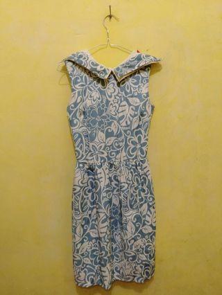Dress bunga biru putih