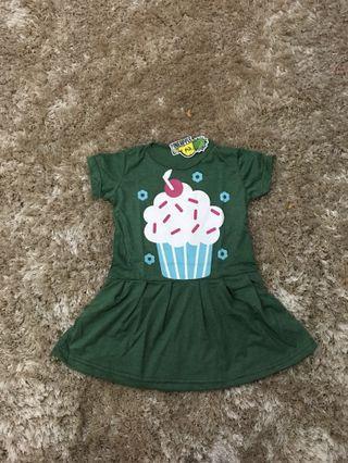 DRESS PINEAPPLE CUP CAKE