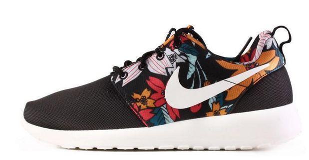 Nike Roshe Run Black Aloha Print Sz 7.5