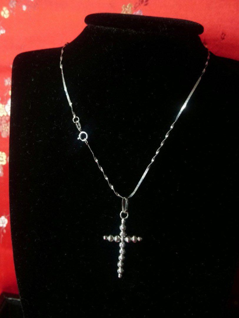 0273#18k necklace with cross pendant