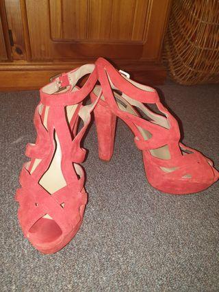 Zara Gorgeous Red Suede Heels Size 7 38