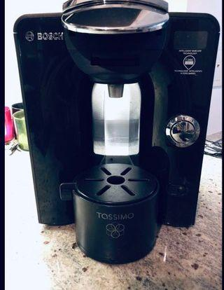 Tassimo Coffee Maker (comes with t-disc tray)