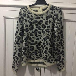 Portmans Leopard Print Knit / Jumper Size XS.