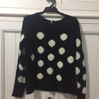 Portmans Size S Black & White Spot Jumper.