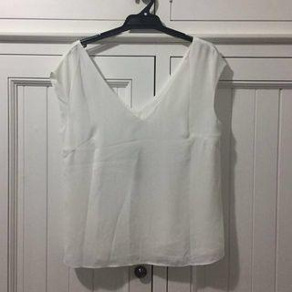 NWT Forcast Size S White Top