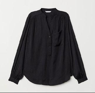 H&M v neck blouse - Black dot