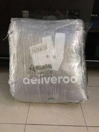🚚 Deliveroo Bag Set - Halal bag & Phone Holder left