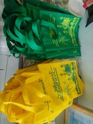 Goodie bag press tali sablon Idul Fitri ukuran 30x40x8 cm