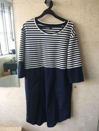 🚚 COS dress