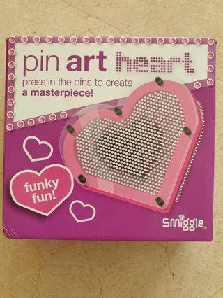Smiggle pin art heart