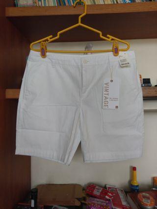 🚚 Lativ經典休閒短褲(32)全新