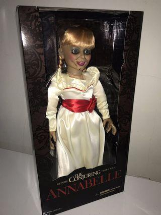 """Mezco Toyz The Conjuring Annabelle 18"""" Doll"""