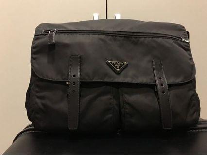 🚚 100%真品‼️微風購入‼️Prada 郵差包 側背包 大款