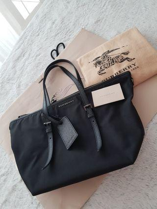 Burberry Tote Bag w Luggage Tag