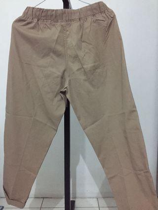 Giordano - celana warna coklat