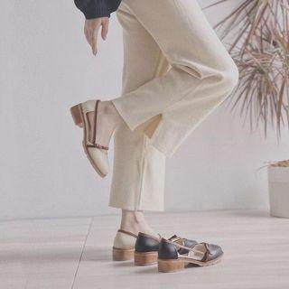 Shoes in Beige