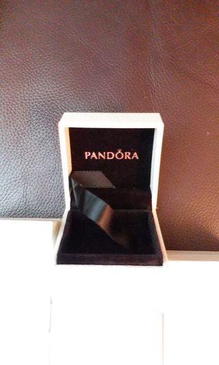 Pandora 盒仔七個 每個$20包郵