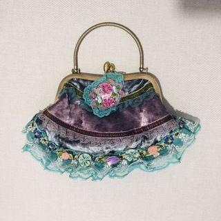 🚚 Felt and lace vintage looking bag