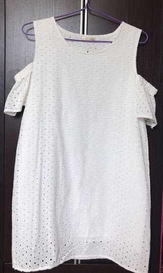 Made in Korea 白色露肩上衣 運身裙