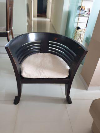🚚 Solid Teakwood wood chair
