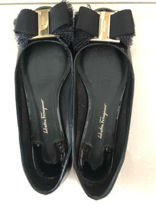 4ef297dfb349 Salvatore Ferragamo Marlia Flats 6.5D black patent leather