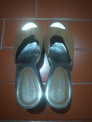 Sepatu Wedges - Urban & Co