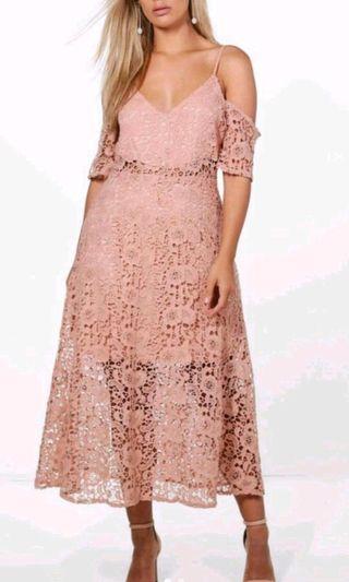 Blush off the shoulder dress size 18 (2xl)