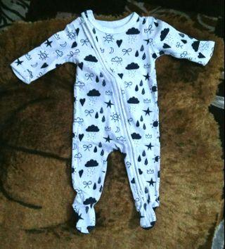 Preloved sleepsuit newborn