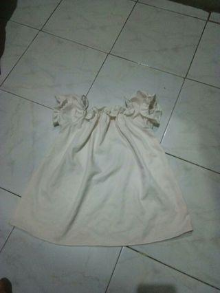 Baju Putih Sabrina
