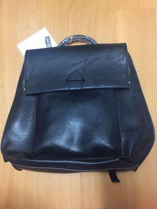 全新Mizzue黑色進口皮翻蓋前口袋復古後背包