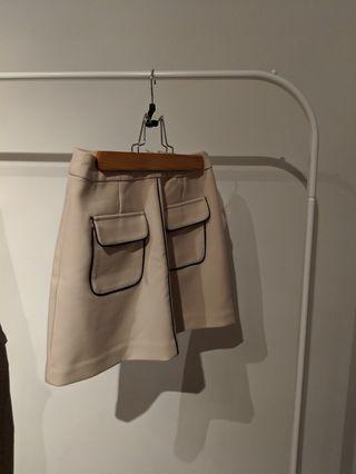 XXI Creme with Black Trim Mini Skirt Size S
