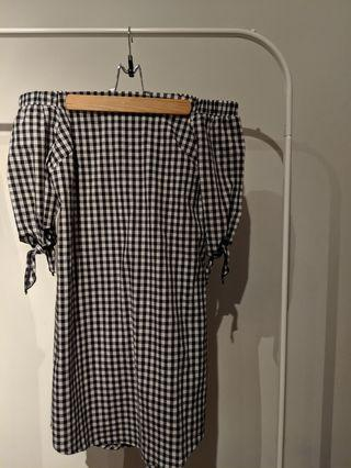 Checked Off the Shoulder Dress Size M